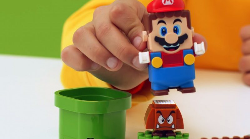 Lego Shows Off New Super Mario Power-Up Packs